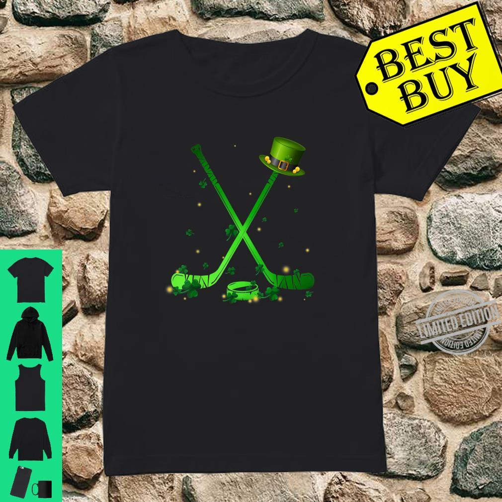 Hockey Stick Shamrock Leprechaun Hat St Patrick's Day Shirt ladies tee
