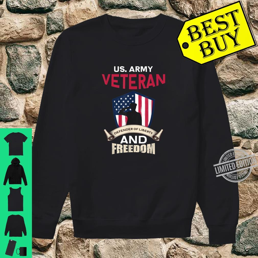 Mens US Army Veteran Defender Of Liberty And Freedom Soldier Shirt sweater